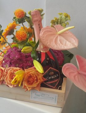FLOWERS AND CHAMPAGNE HAMPER